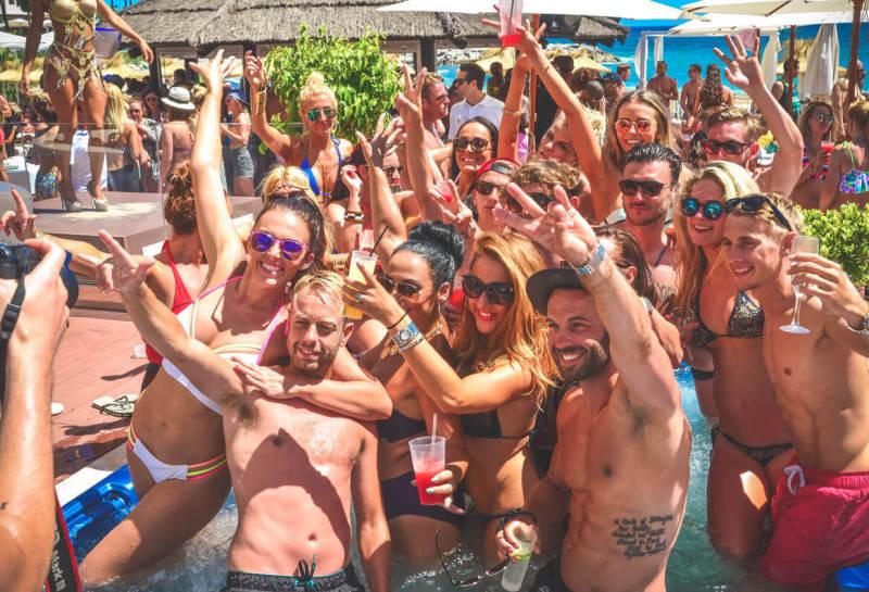despedidas de solteras en madrid con piscina